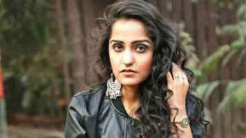 Warka Hauli Hauli Song Lyrics From Asees Kaur New Song In Hindi